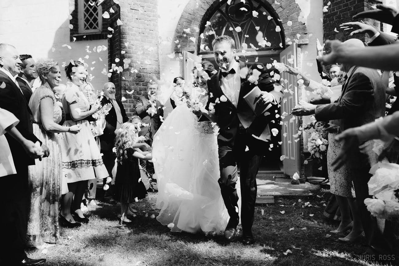 ziedu mešana pēc ceremonijas
