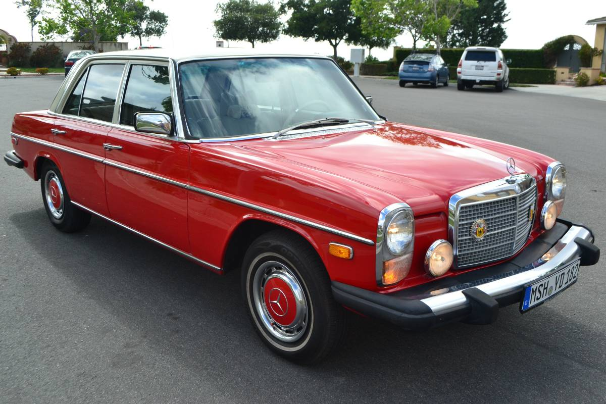 Daily turismo 1976 mercedes benz 300d for Mercedes benz 300d parts