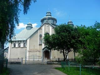 Залуква. Церква св. Апостолів Петра і Павла