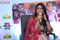 Shriya Saran and Meenakshi Dixit Pos at Quaker Feed A Child Campaign  0033.jpg