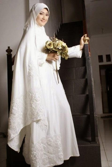 Gaun Pengantin Muslim Simpel