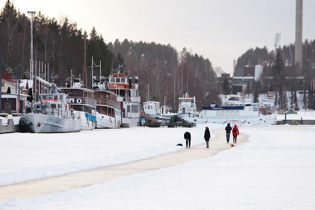 vesijärvi, lahti, talvikuvat, talven iloja, ihmisiä jäällä