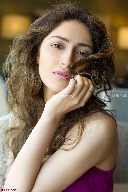 Sayesh Sehgal Beautiful Social Pics Stunning Beauty