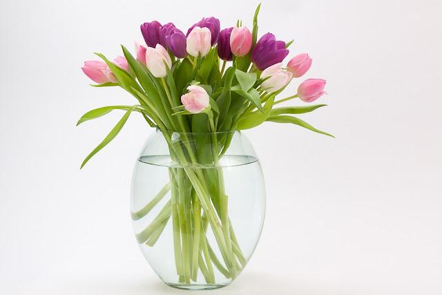 wazon na tulipany szklany