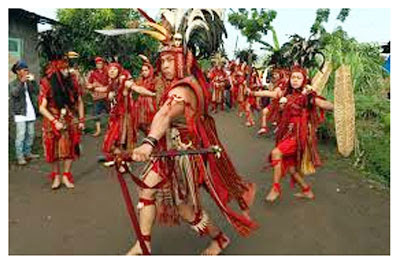 Tari Tradisional Kabasaran Tarian Adat Minahasa Sulawesi Utara