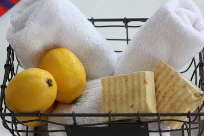 Sapone al limone e limoni
