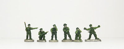 Officers x 2 / Radio Operator / Mortar crew x 2 / Throwing grenade:
