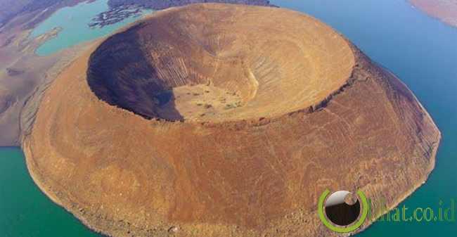 Kawah Nabiyotum Crater, Kenya