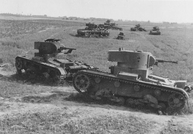 Destroyed/abandoned Soviet tanks in western Ukraine 24 June 1941 worldwartwo.filminspector.com