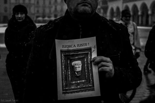 stolen justice, skradziona sprawiedliwosc, krakow, jacek taran,;
