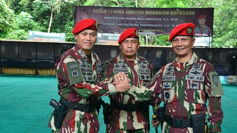 Sertijab dipimpin oleh Danjen Kopassus Mayjen Madsuni