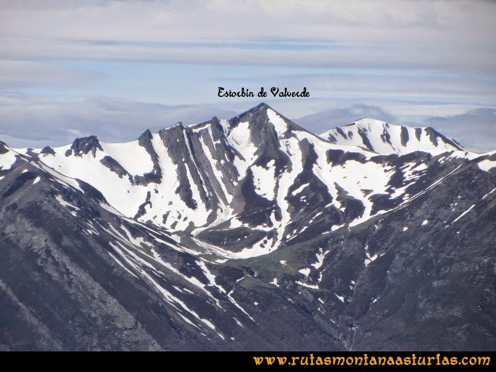 Ruta Peña Redonda: Vista del Estorbín de Valverde