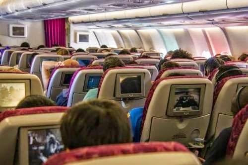 Cách chọn chỗ ngồi an toàn trên máy bay để tránh bệnh truyền nhiễm