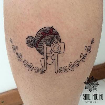 Tatuagem traço fino fotografia