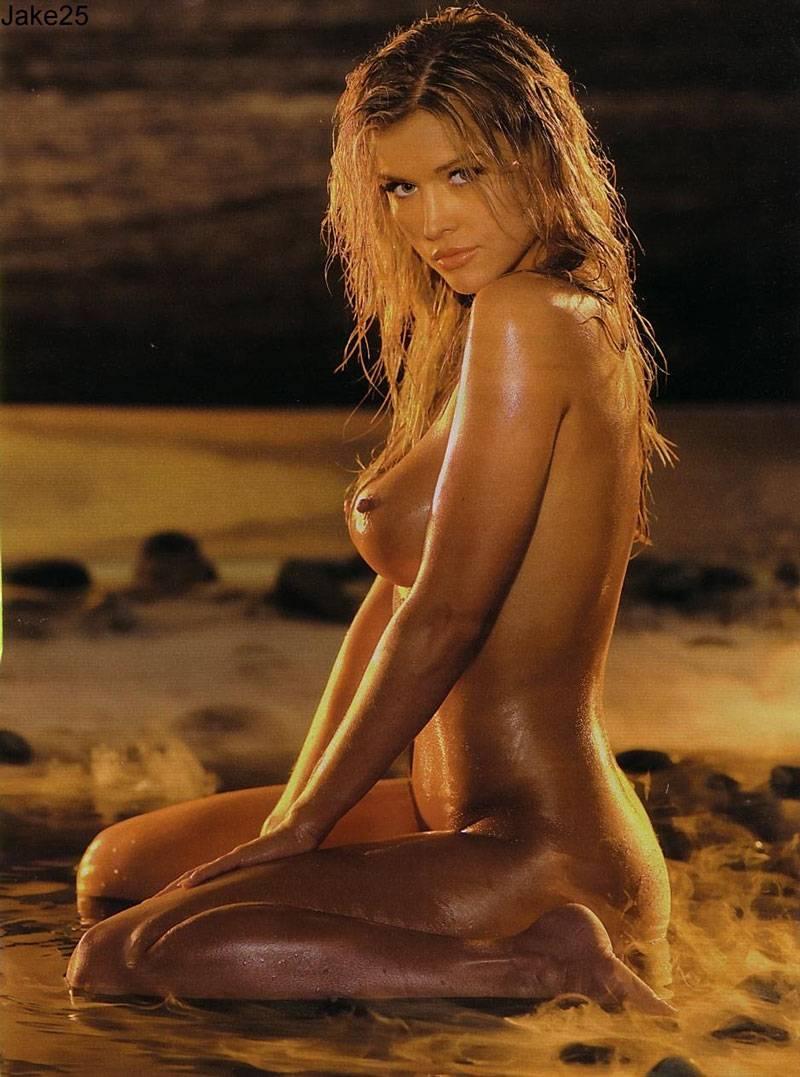 joanna krupa naked with hairy bush
