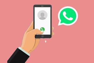 Bagi anda yang mempunyai teman dekat yang banyak, anda bisa menggunakan whatsapp sebagai media curhat dan bercanda yaitu dengan cara video call 4 orang di whatsapp yang bisa anda lakukan secara bersamaan.