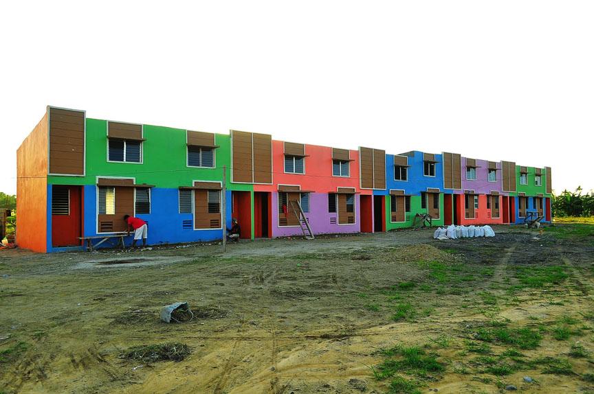 Gawad Kalinga, Monsanto build homes for 232 families in Sara