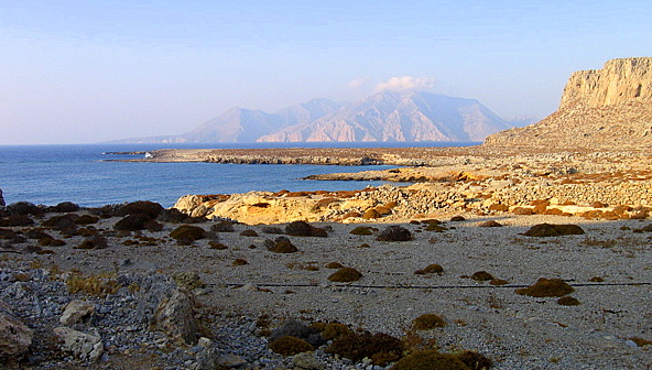 Karpathos - Foto da http://www.karpathos.org/photos/albums/st_john_2005/st_john_2005-Pages/Image11.html