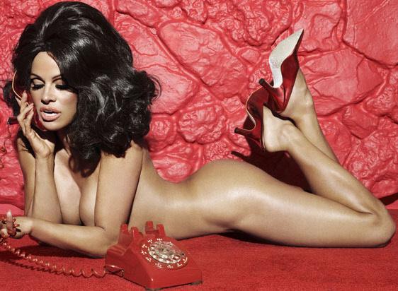 Γυμνή, μελαχρινή, Pamela Anderson