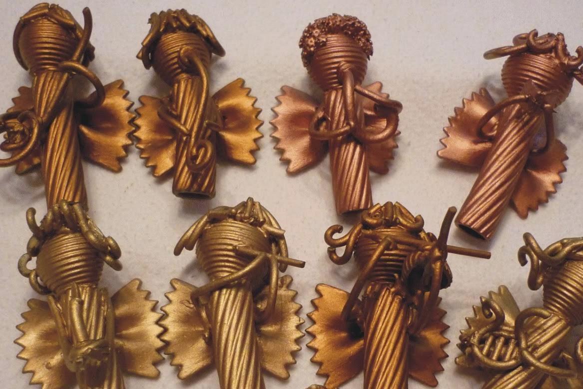 angioletti di natatle con pasta di semola dipinta