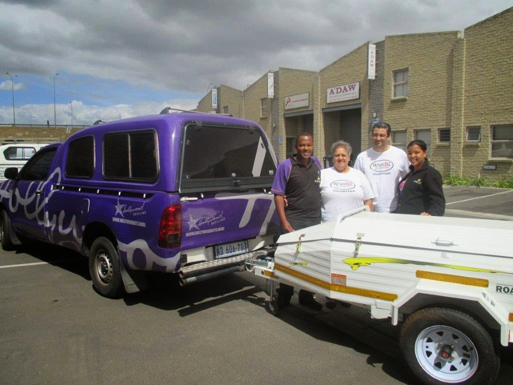 Hollywoodbets Malmesbury donating a new trailer to the Newkidz on the Block organisation - Western Cape