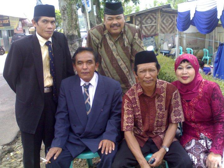 Desa Mandiri Contoh Perkenalan Anggota Keluarga Bahasa Inggris