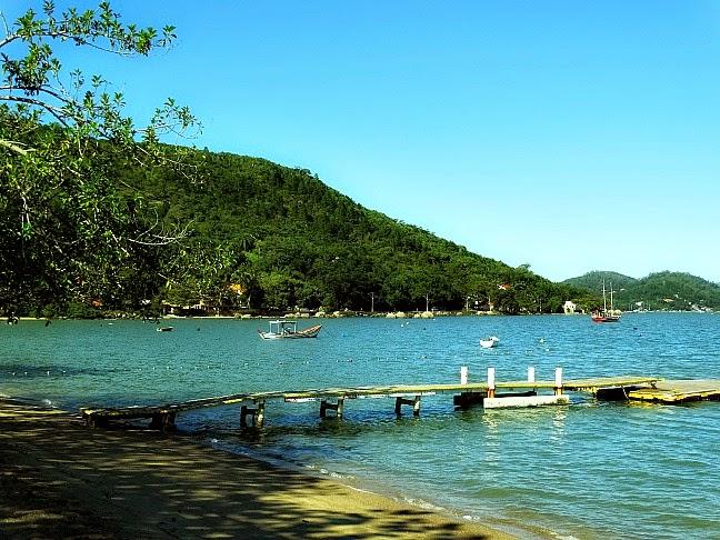 Praia de Sambaqui, em Florianópolis