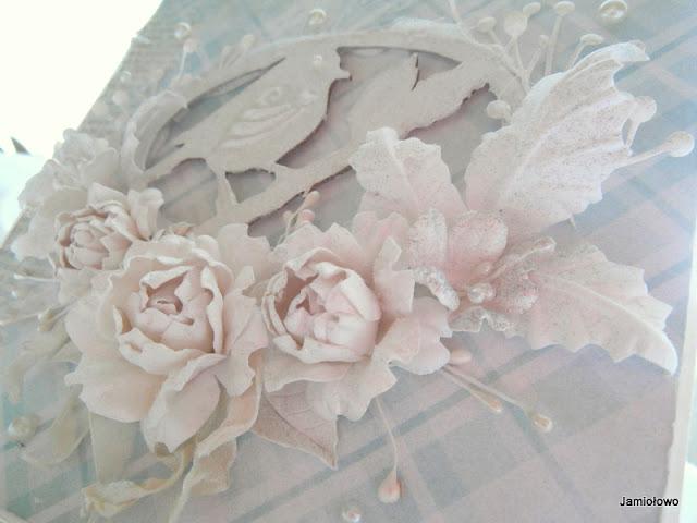 detale kartki -tekturka, kwiaty, pręciki