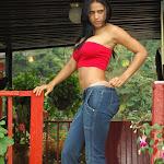 Andrea Rincon, Selena Spice Galeria 21 : Jean Azul y Top Rojo Foto 25