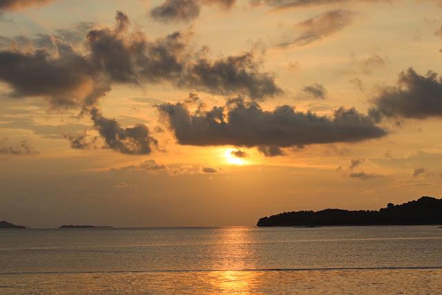 sunset di the suites lombok