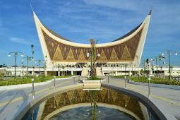 Terdapat Arsitektur Khas di Masjid Raya Sumatera Barat