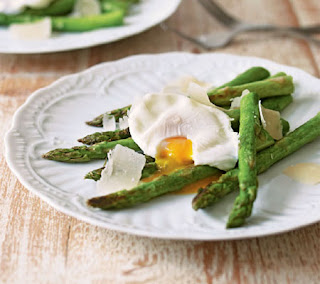 asparagus with poached eggs recipe