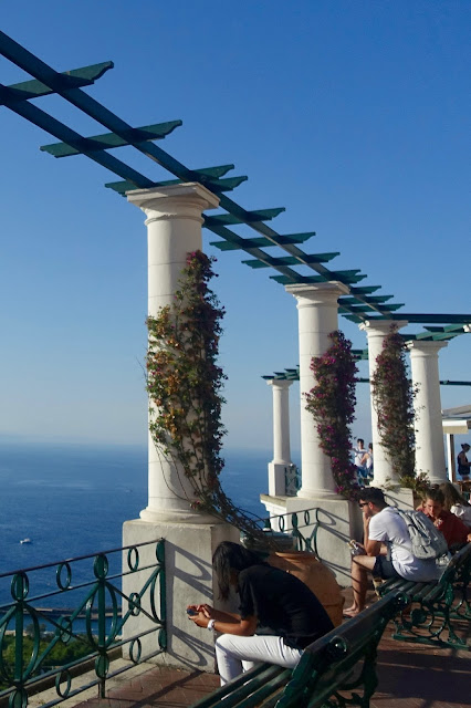 MINI GUIDE TO CAPRI, ITALY