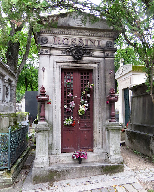 The empty tomb of Rossini, Père Lachaise Cemetery, Parigi