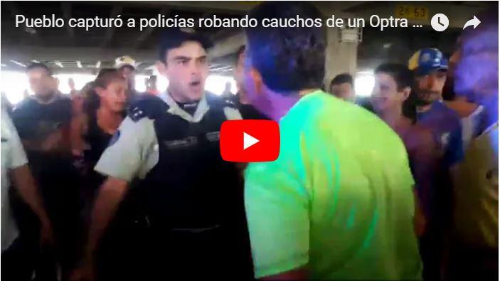 Pueblo capturó a policías robando cauchos de un Optra en el CCCT de Caracas