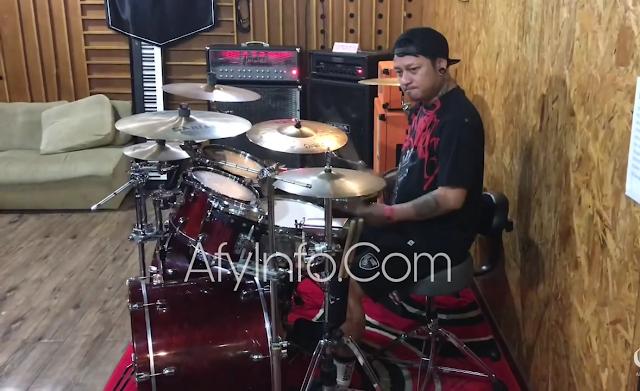 Drummer Andyan Gorust