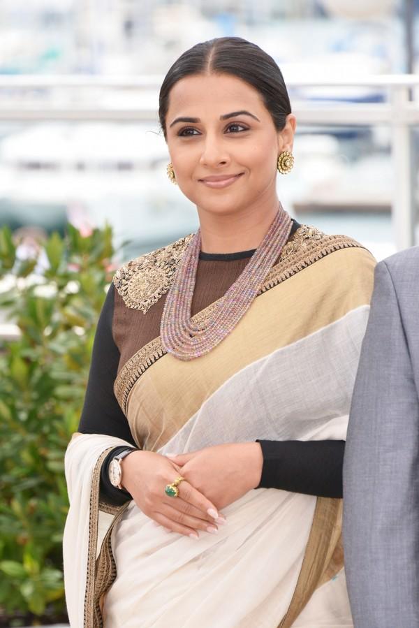 Splendid hot sexy Vidya balan sexy in saree at 66th cannes film festival 2013