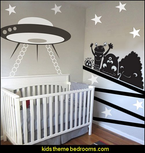 Friendly Aliens Dream Cartoon Wall Decals Vinyl Sticker Funny Nursery Decor Kids Children Room Mural Stencil