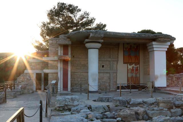 Υπουργείο Οικονομικών: Εκτός υπερταμείου οι παραλίες, οι ναύσταθμοι και οι αρχαιολογικοί χώροι