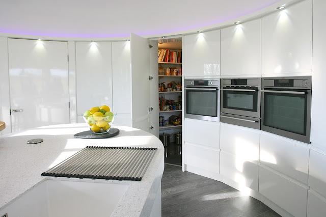 cocina-blanca-efecto-curvado-brookvalekitchens5
