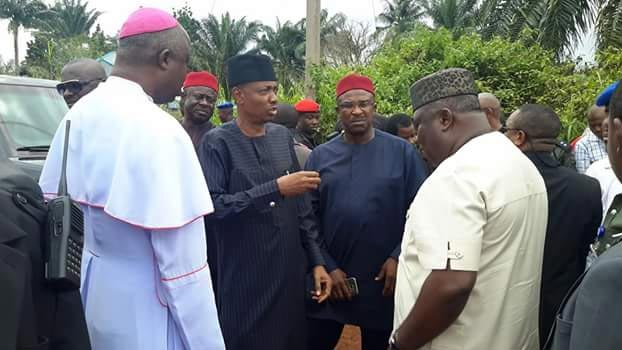 Governor Ugwuanyi visits community attacked by Fulani herdsmen in Enugu