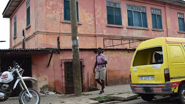 Una embajada falsa de EE.UU. operó durante 10 años en Ghana: ¿Cómo es posible?