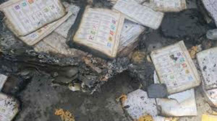 Más robos y quema de papelería electoral en Oaxaca, ahora en el municipio San Francisco del Mar