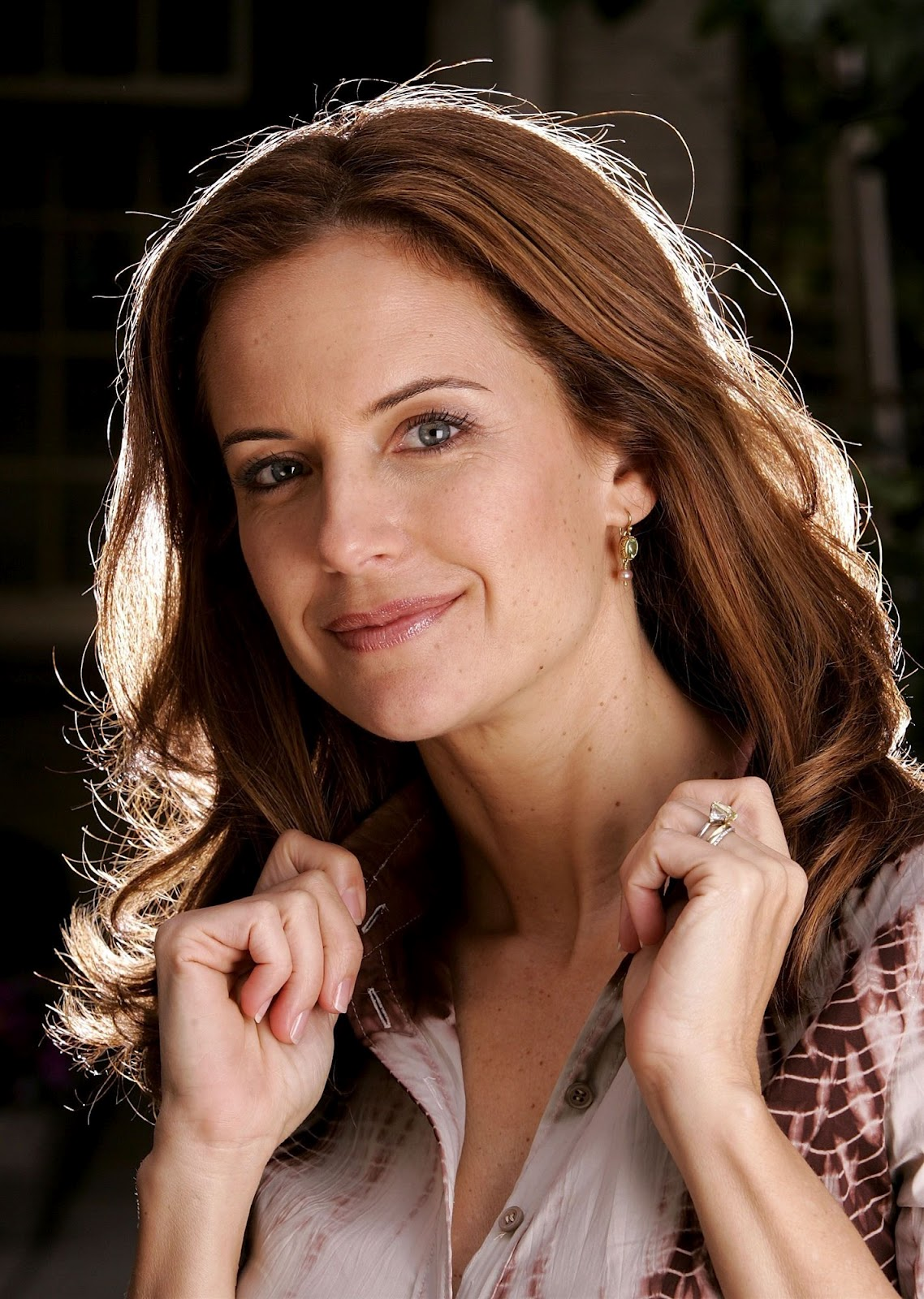 Fitness Girl Iphone Wallpaper Kelly Preston Pictures Gallery Online News Icon
