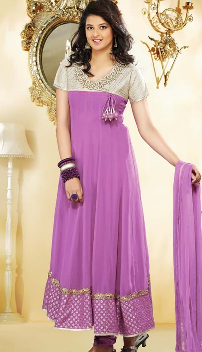 222128de46f Pakistani outfits have a number of aspects that can help you make the style  statement and be the trendsetter of the event. Some of them are