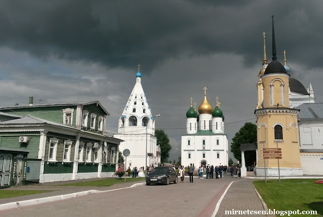 Коломенский кремль - цервки