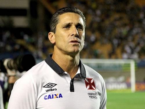 Após eliminação, Vasco pede foco na Série B