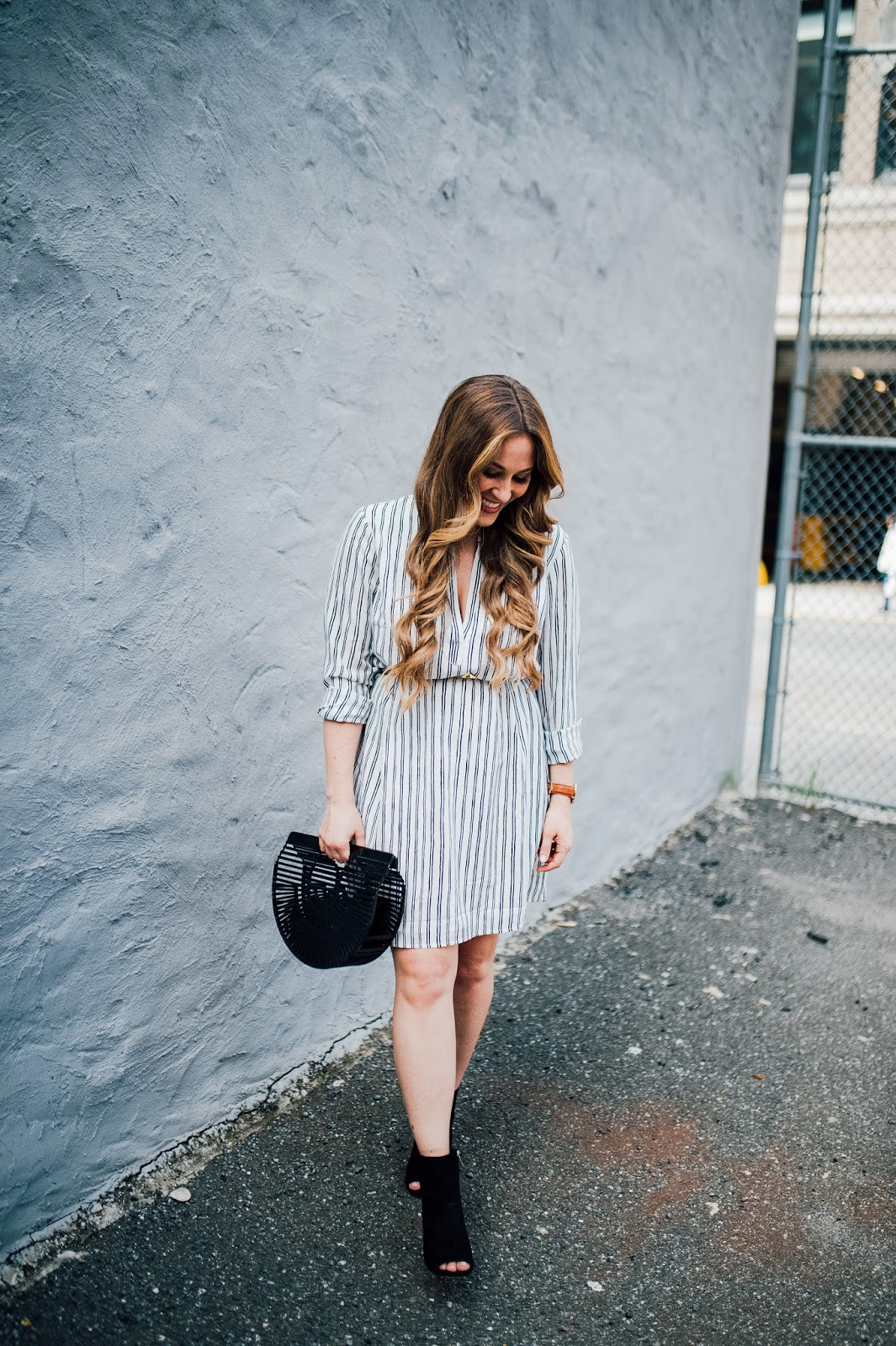 Trend Spin Linkup - Statement Accessories by fashion blogger Laura of Walking in Memphis in High Heels