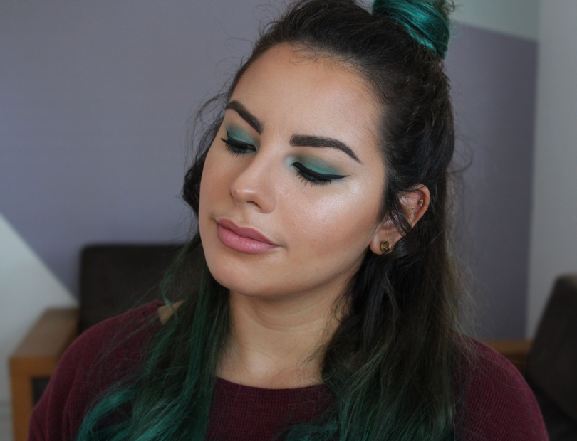 makeup geek sea mist green smokey eye eyeshadow coastal scents teal spring makeup look fotd makeup green hair