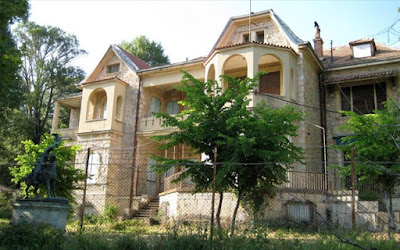Εγκατάλειψη και κλοπές στο πρώην βασιλικό κτήμα Τατοΐου